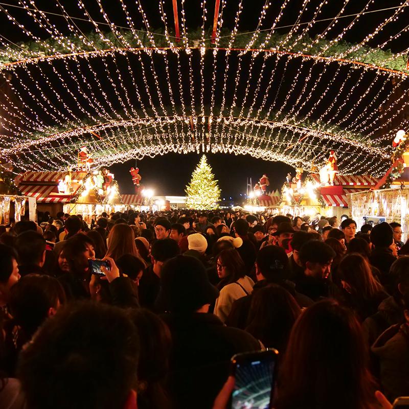 クリスマスマーケットを愉しむ